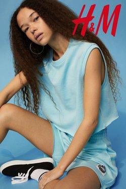 Oferte Haine, Incaltaminte și Accesorii în catalogul H&M ( 5 zile)