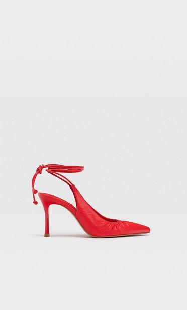Ofertă Pantofi cu toc legați pe picior 129,9 lei