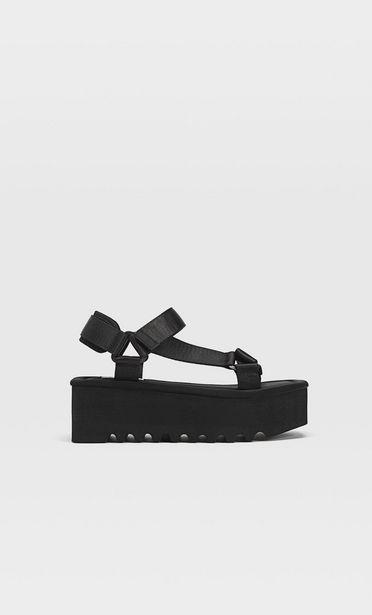 Ofertă Sandale flatform cu barete negre 129,9 lei